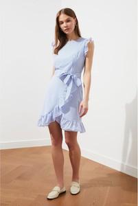 Niebieska sukienka Trendyol asymetryczna mini
