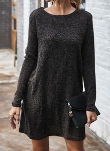 Czarna sukienka Cikelly z długim rękawem z okrągłym dekoltem w stylu casual