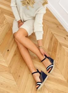 Sandały Buty Damskie z klamrami z tkaniny na platformie