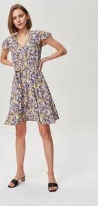 Sukienka FEMESTAGE Eva Minge mini z krótkim rękawem