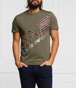 T-shirt Emporio Armani z nadrukiem w młodzieżowym stylu